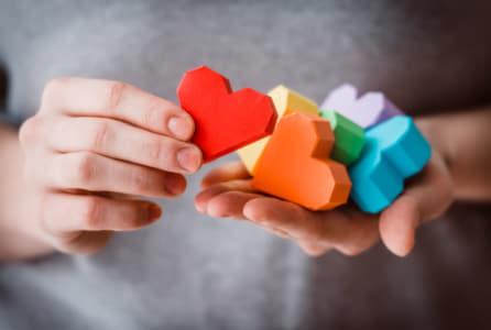 LGBT活動について掘り下げて話す必要はある?